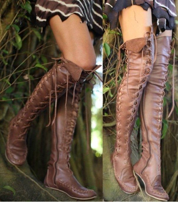 фото высоких сапог на шнуровке