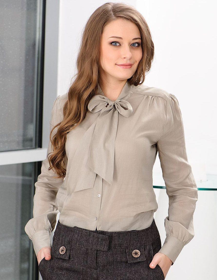 7e094e84c7f Нам особенно понравились комплекты классических блузок с юбкой-карандаш  песочного цвета