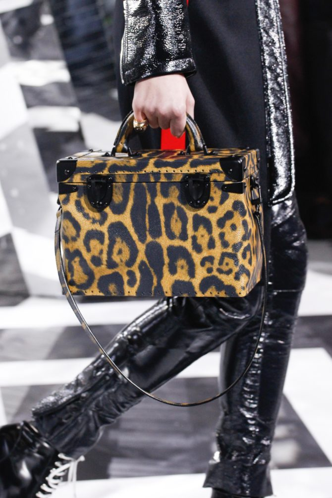 Чемоданчик от Louis Vuitton