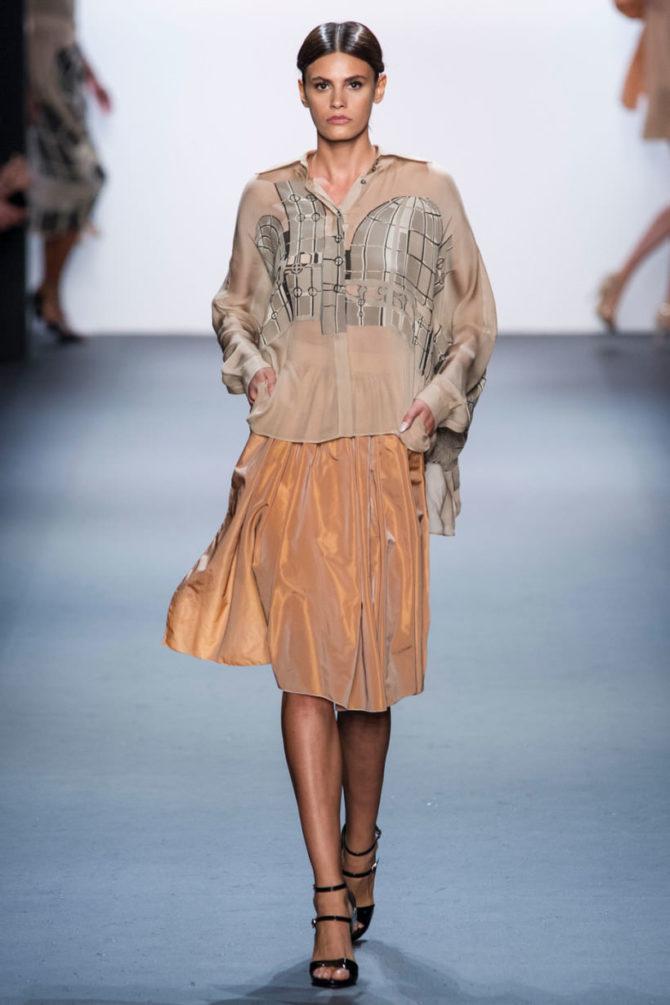 Модная блузка 2017