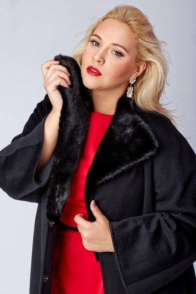Пальто с эффектом деграде от итальянского бренда Teresa Tardia