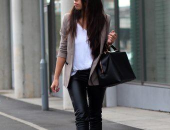 Носим кожаные брюки правильно: как выбрать модные штаны и с чем сочетать