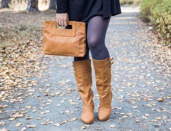 Женские рыжие сапоги: кожаные и замшевые, на каблуке и без