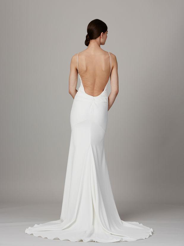 Модель в платье из свадебной коллекции Lela Rose 2017