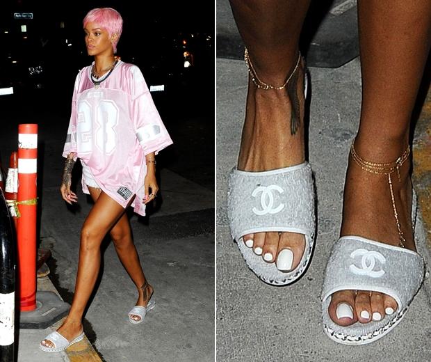 Рианна в сандалиях Chanel