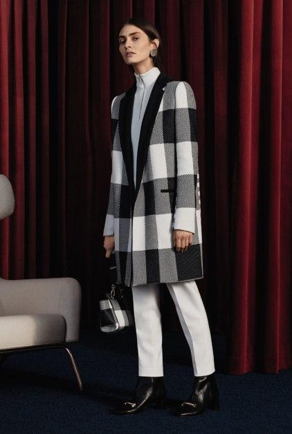 модное пальто в клетку 2017