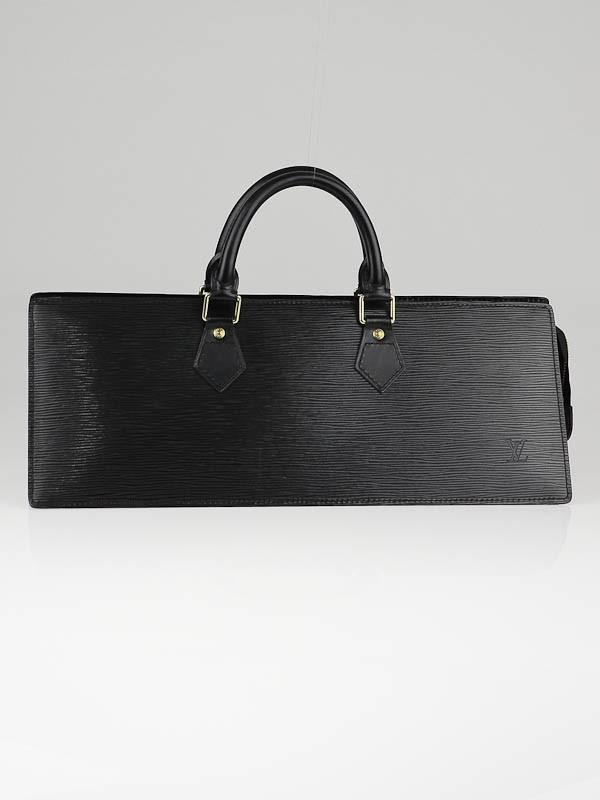 Треугольная сумка Louis Vuitton