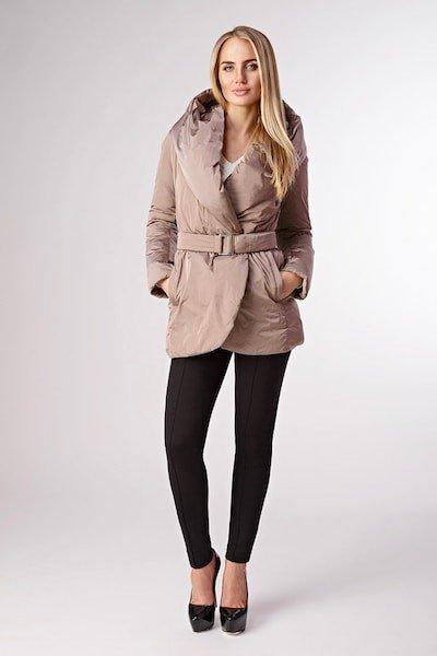 Модель в куртке ADD