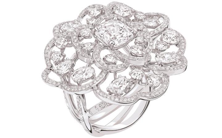 Кольцо из коллекции Camélia Exquis, Chanel