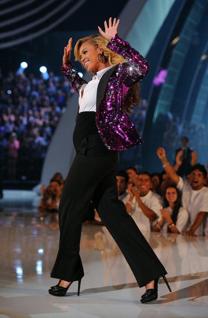 Бейонсе на церемонии награждения VMA 2011