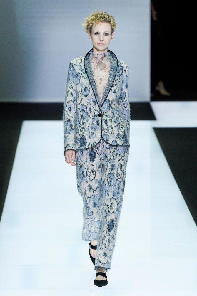 Цветочный принт в брючном костюме от Giorgio Armani