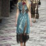 Девушка в платье из коллекции Gucci