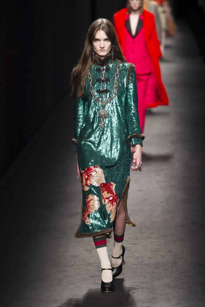 Образ с зелёным платьем из коллекции Gucci