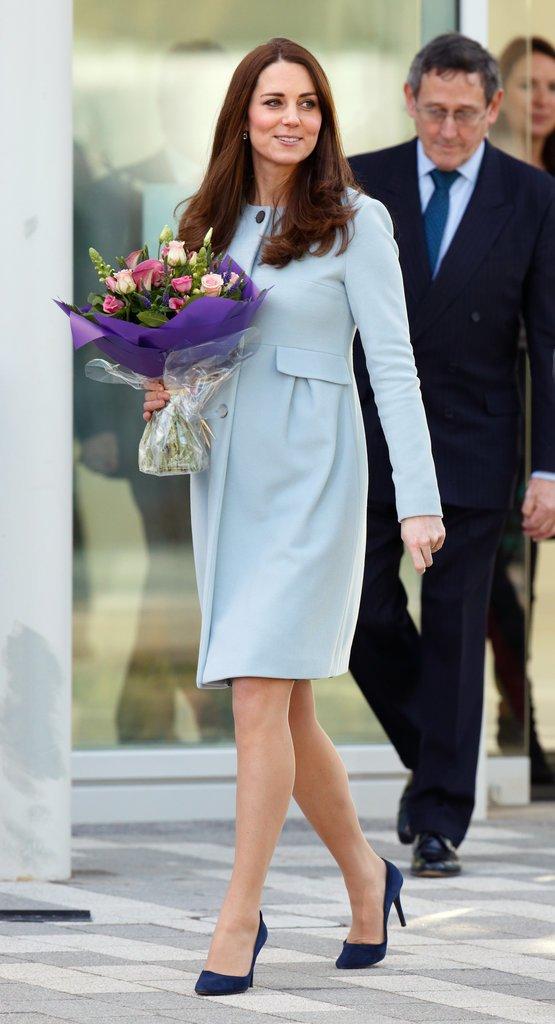 Кейт Миддлтон в светло-голубом пальто