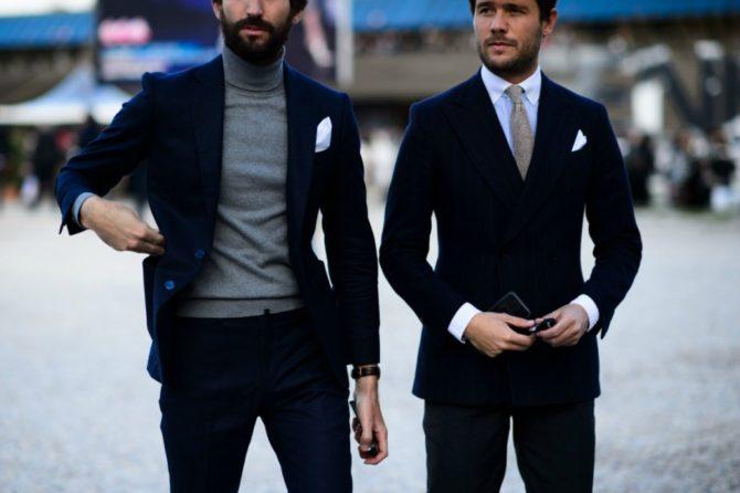 Мужчины в блейзерах на улице