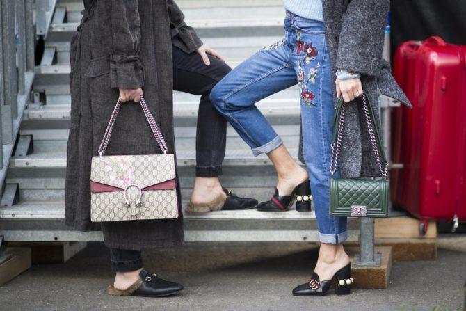 Девушки в обуви и с аксессуарами от Gucci