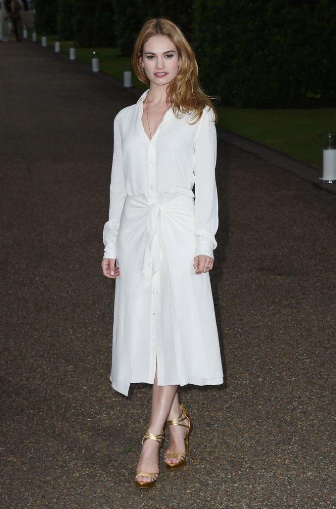 Образ с белым платьем-рубашкой