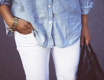 Белые джинсы: как и с чем носить?