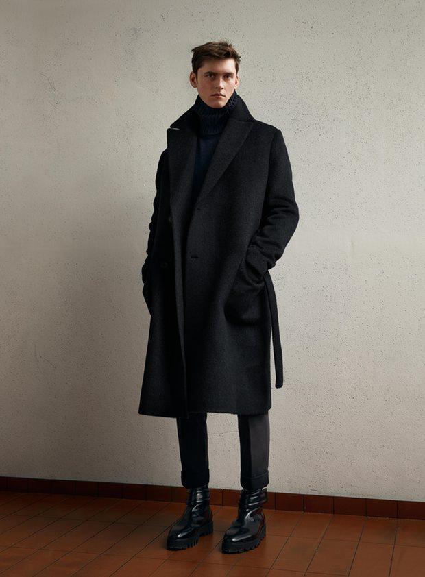 Мужчина в комплекте от H&M