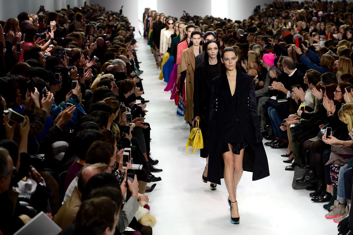 французская мода показ картинки нижнего белья очень